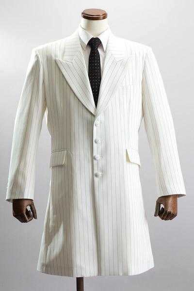 白いロングジャケット