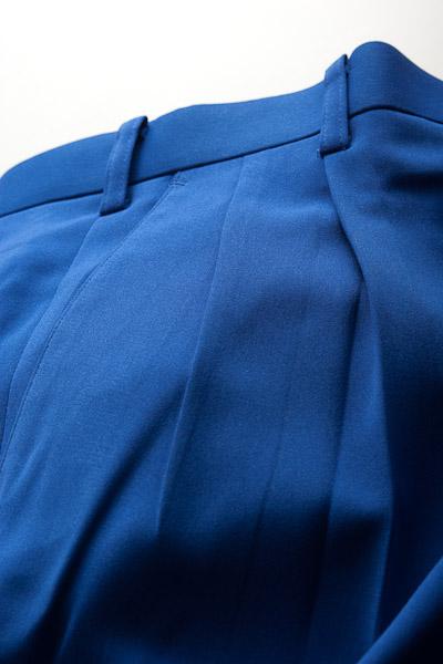 カラーパンツ ツータック ブルー
